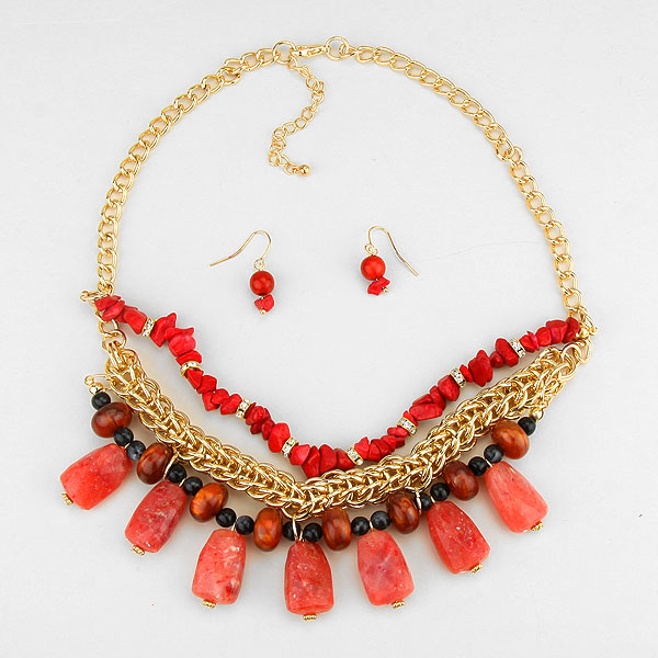 Coral Semi-Precious Stone Fragments Necklace
