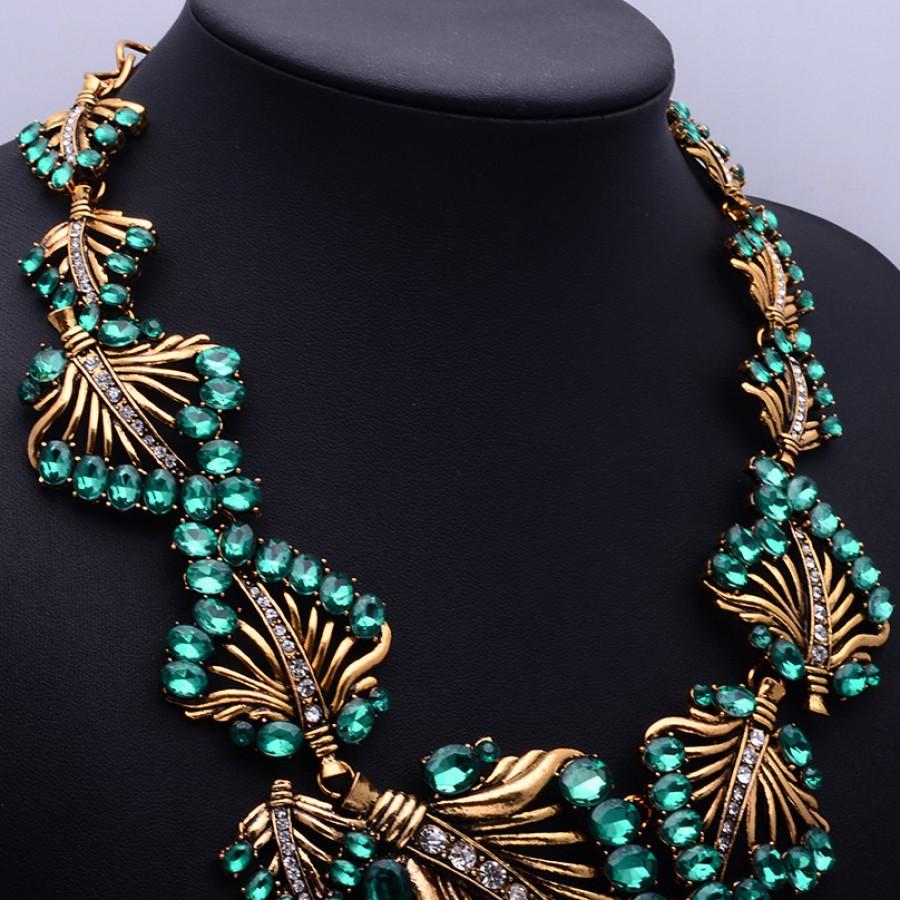 Emerald Green Stone Laurel Bib Statement Choker Necklace