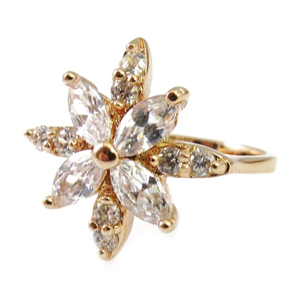 Flower Point Crystal Cubic Zirconia 18k Ring