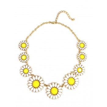 White Daisy Floral Bauble Stone Necklace